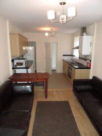 Arran Street, Roath. 6 bed Property.**NO FEE** Reduced Deposit , £335.00 pppm.