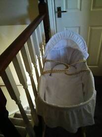 Moses basket an stand