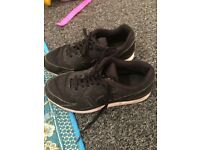 Nike trainers adult size 5.5 plenty of life left