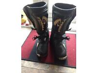 Forma motorcycle/motorcross boots size 42/8-9