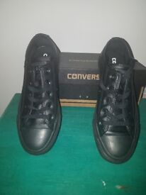 Black leather converse (kids)