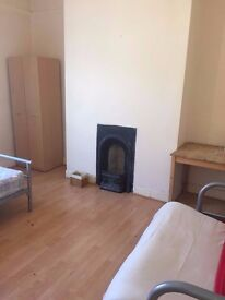 £250pcm - Large Double room Furnished Includes bills - FREE INTERNET