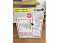 Hauck Wooden extending pressure fix barrier