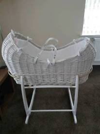 Clair de Lune Pod moses basket and rocking stand (new)