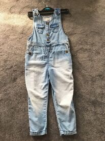 Kids girl dungaree size 4-5 years old, brand new