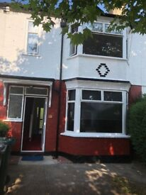 Spacious 3/4 Bed House on Stanhope Avenue
