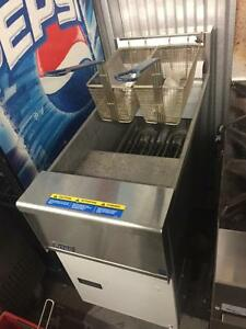 $3500 Brand new electric  pitco se14 fryer ( for only $1400 !