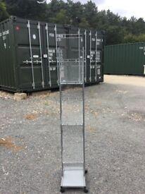 Floor standing magazine rack/stand