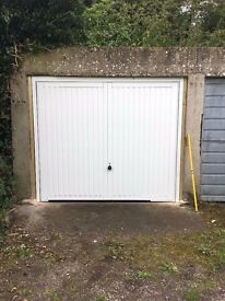 NICE SIZE LOCK UP GARAGE TO LET IN SWINDON