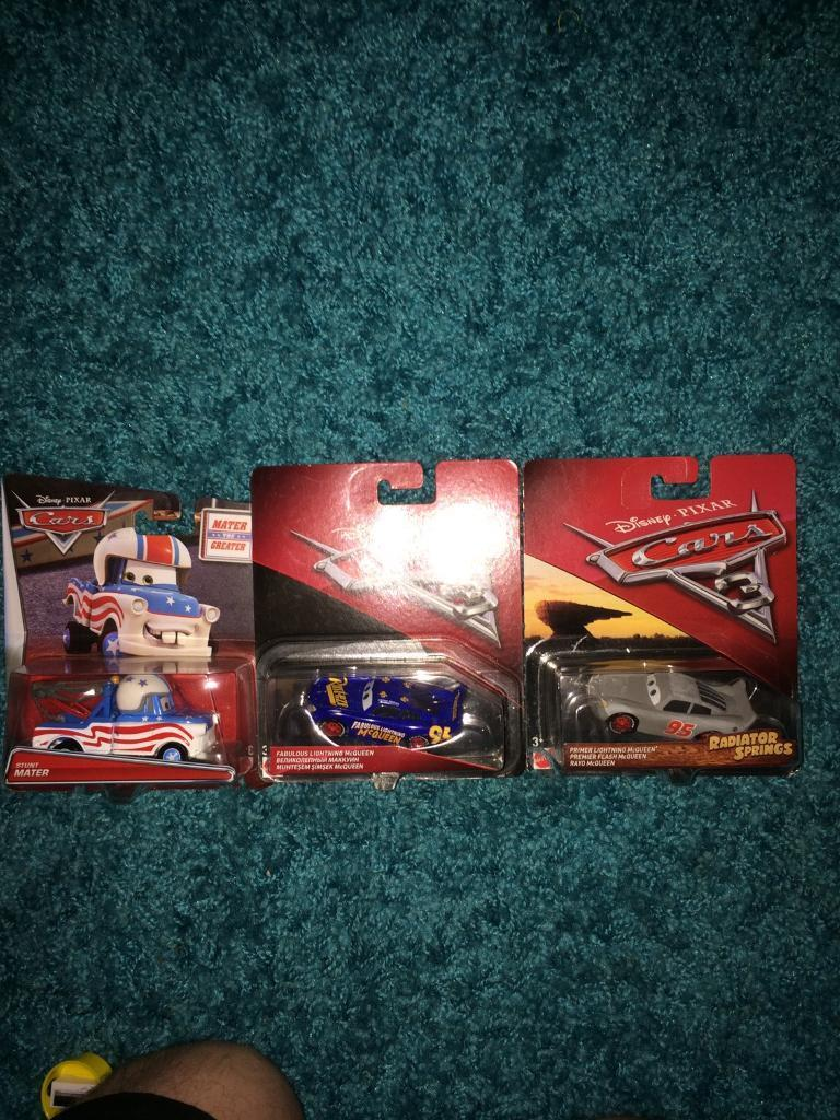 Disney cars stunt mater. Fabulous lightning McQueen and primer lightning McQueen die-cast cars