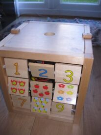 LARGE WOODEN ACTIVITY CUBE - Baby / Toddler - fabulous condition NOW REDUCED TO £8 Amazing value!
