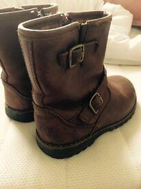 Genuine UGG boots (Infants)