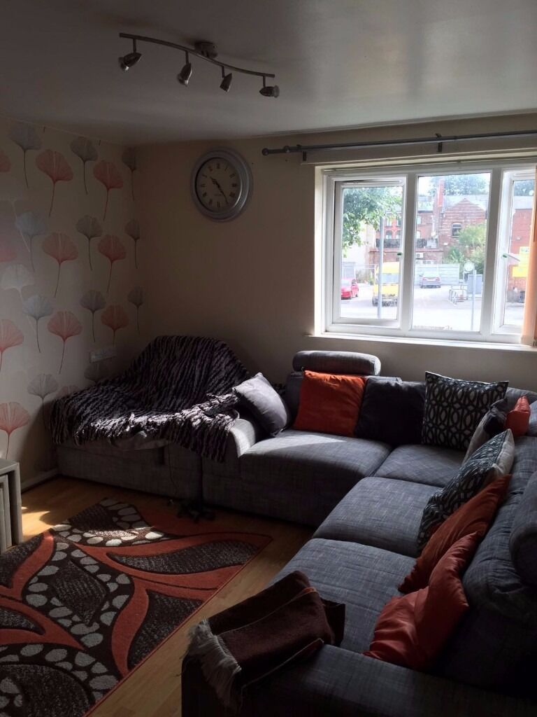 SPECIOUS 1 BED FLAT AVAILABLE - RUSHOLME