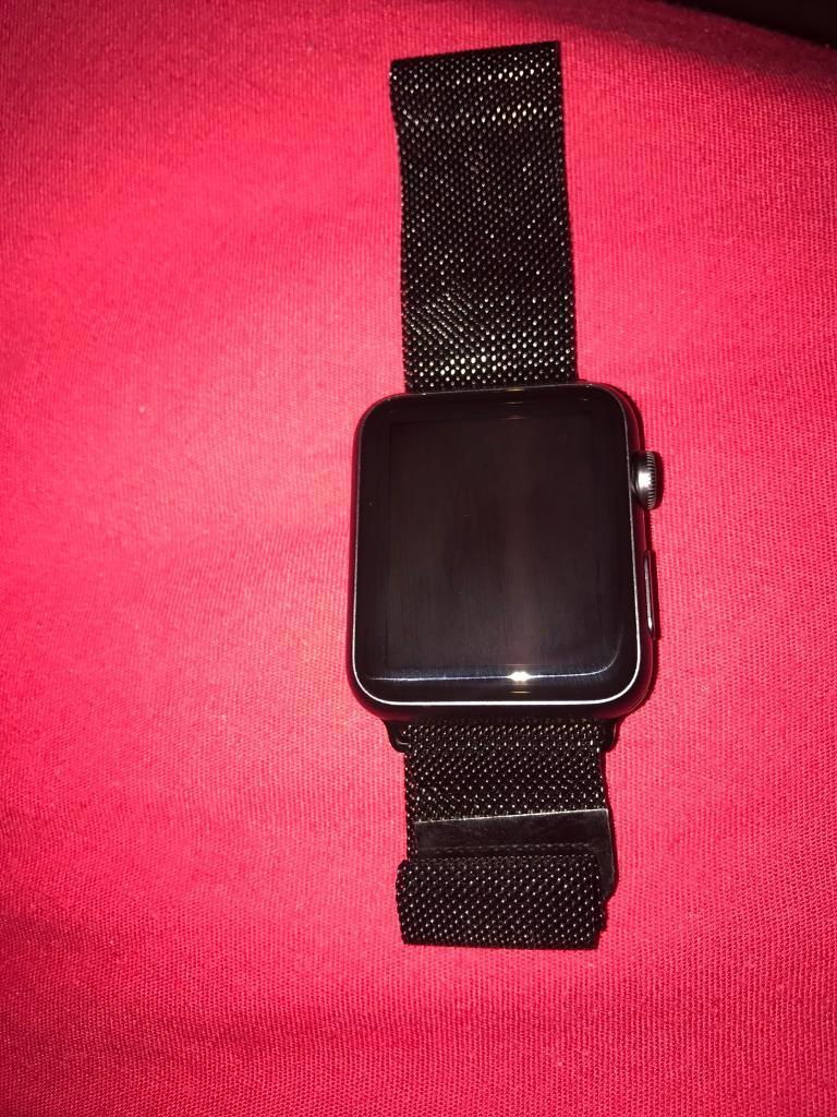 Apple Watch 42mm aluminiumin SwanseaGumtree - Four sale Apple Watch 42mm aluminium space grey or swap. Used few times