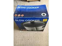 Slow cooker, brand new
