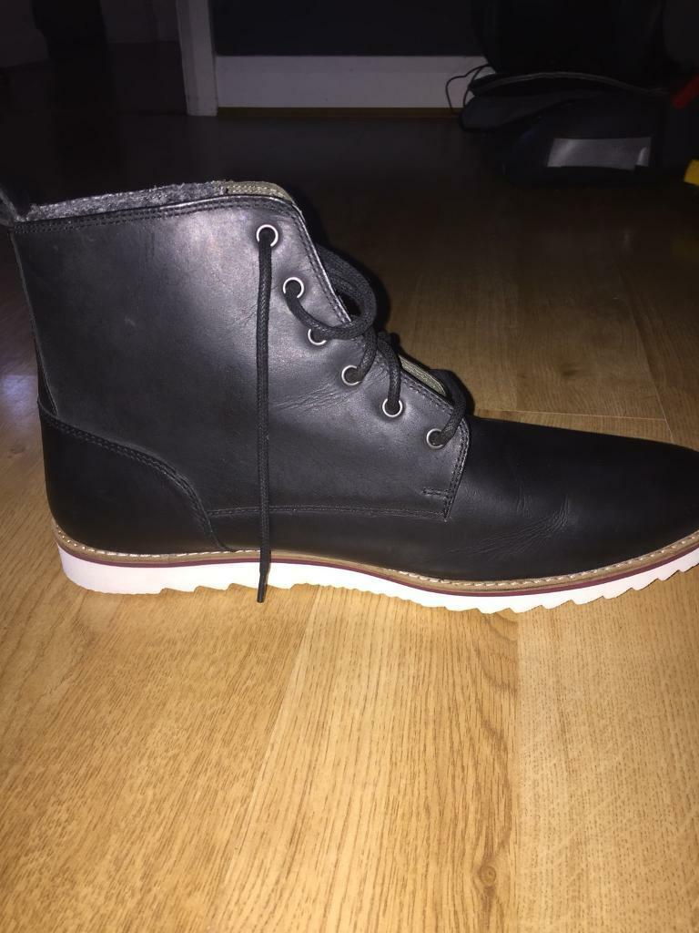 Men's boots, size 11. (Next, casual)