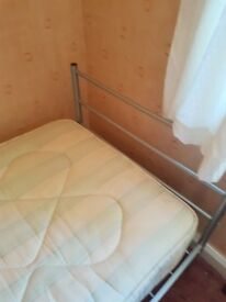 Metal single frame bed with matress