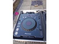 For Sale 2 x Pioneer CDJ- 1000 CD Players and Pioneer DJM 500 Mixer Flight cased