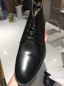 Tommy Hilfiger shoes/boots smart wear black size 10/44 brand new not worn in box