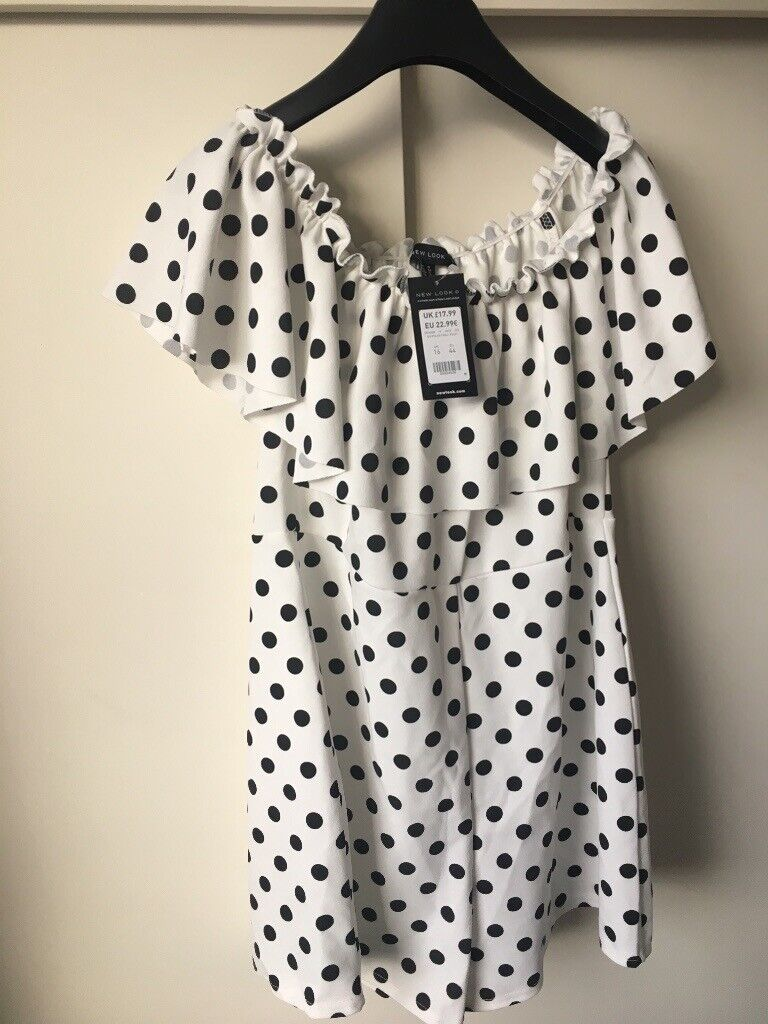 b58e1117617 Brand new New Look polka dot playsuit