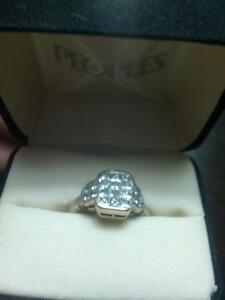 Custom made invisible princess diamond ring ,it has 20 diamonds,