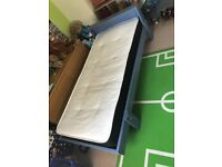 3/4 extendable to full length single bed