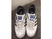 Men's Adidas trainers uk9