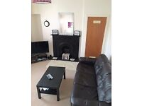 Nice double room, furnished, just off Ferry Road EH4 4AX. Short term until end of August 2017