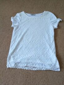 White lace style fronted top size 8