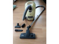 Miele S4211 Cylinder Vacuum Cleaner