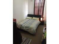 Bright Double Room available in an Excellent location-Close to Greenwich University & Central London
