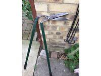 Long handle lawn shears / edgers