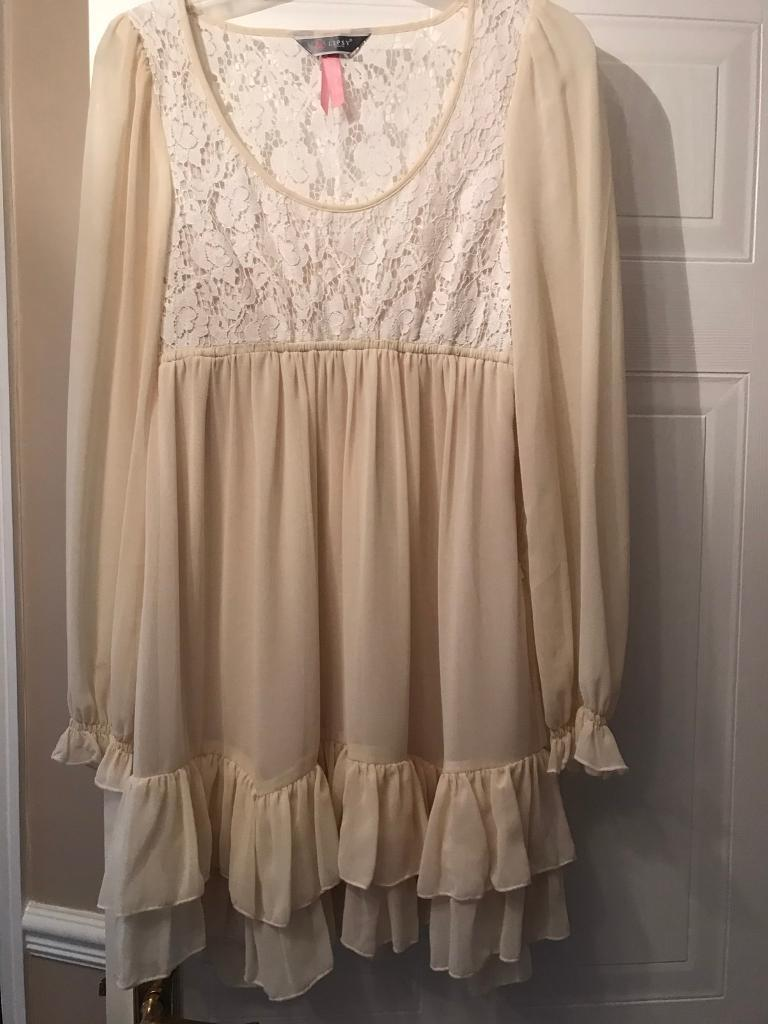 Lipsy Gypsy style dress size 8in Morley, West YorkshireGumtree - Beautiful chiffon cream and white lace Lipsy gypsy dress.. it is lined and has been worn twice