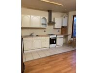Spacious 2 Bedroom first floor flat to let in Leyton, E11 4EP!!!