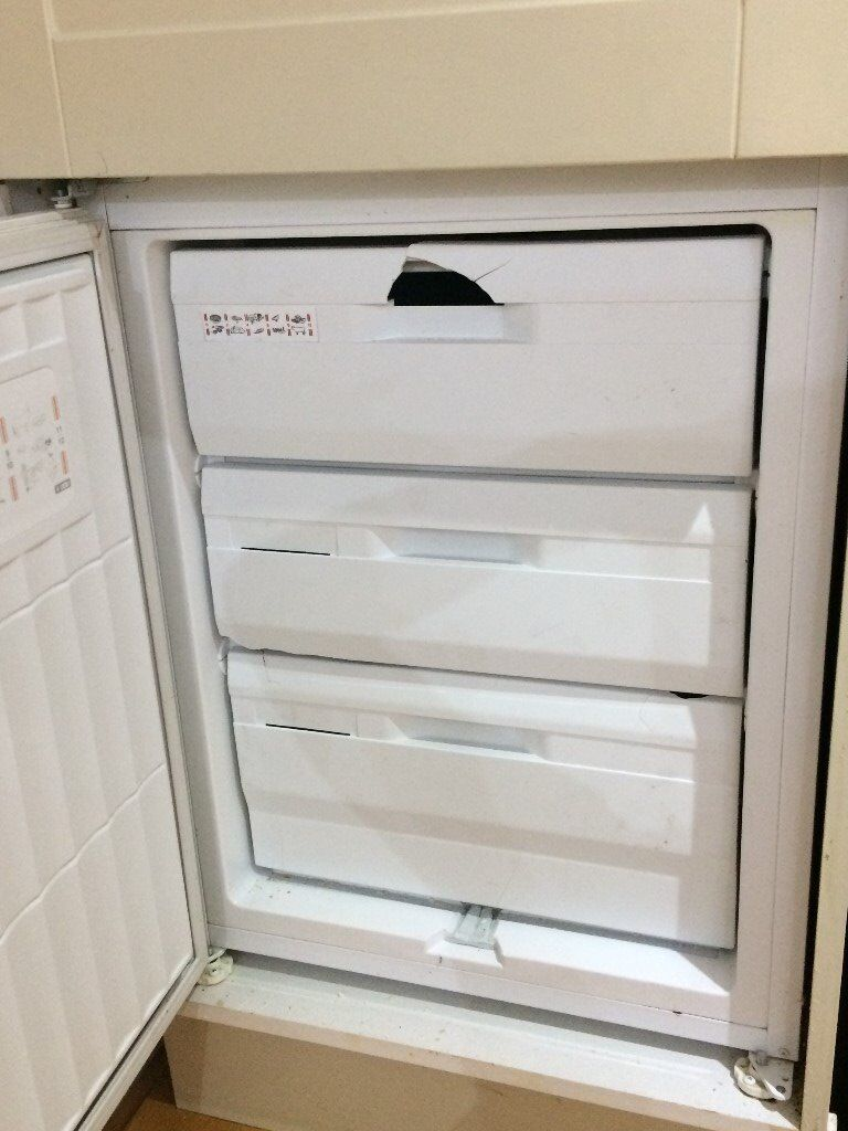 Free Diplomat fridge freezer in an integrated unit