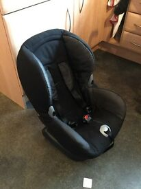 Black maxi cosi car seat.