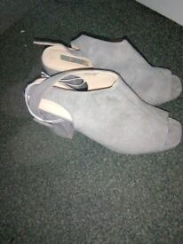 Grey shoes size 6
