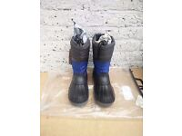 BRAND NEW Hi-Tec Men Snow / Winter Boots (Size 7) for SALE