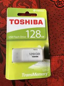 Genuine Toshiba massive 128GB flash drive data cable PRP £65