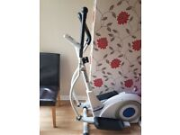 Reebok pure cross trainer exellent condition and vibrating plate