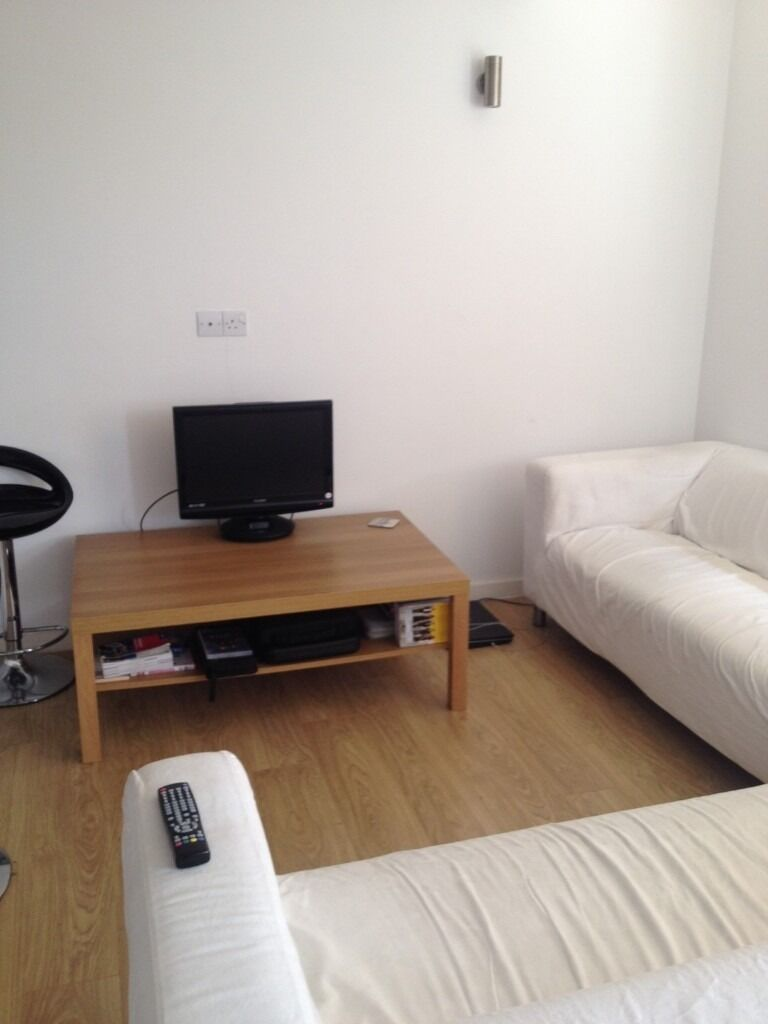 Spacious 2 double bed flat in Oval
