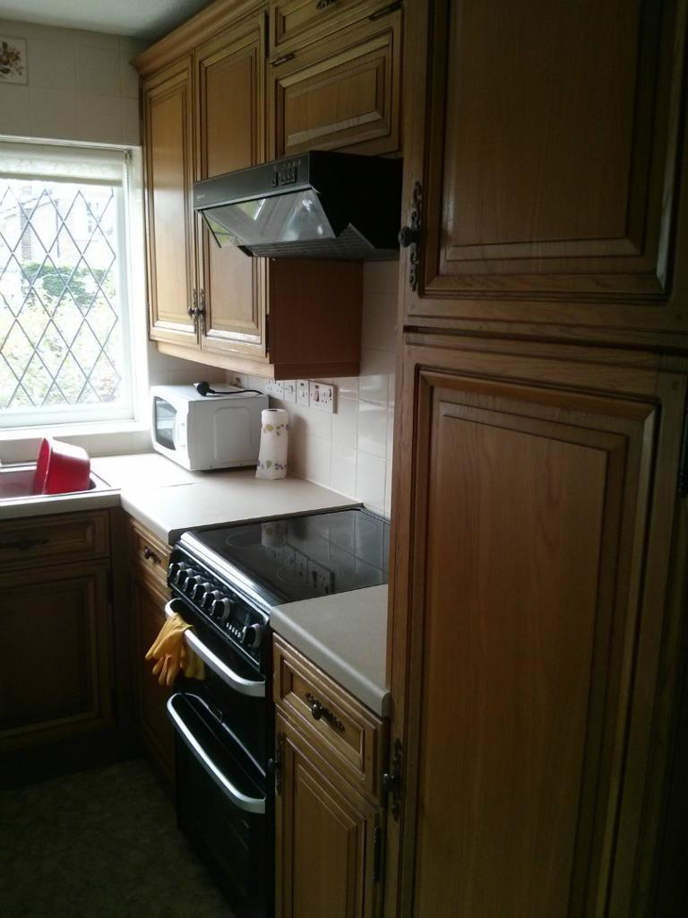 Solid oak kitchen doors purchase sale and exchange ads for Oak kitchen units for sale