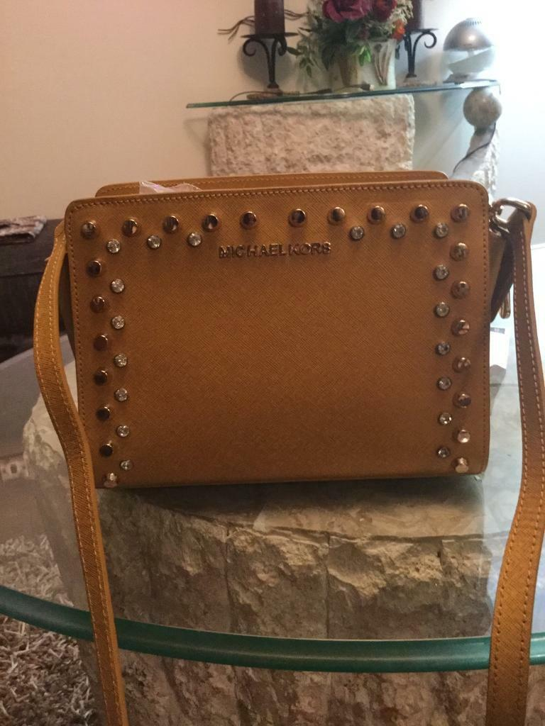 Gorgeous Michael Kors bags new20in Crookston, GlasgowGumtree - Michael Kors stud mustard 30Michael Kors red handbag used once excellent condition 30Michael Kors red small shoulder bag new 30Michael Kors beige snakeskin 20Michael Kors black snakeskin 30Michael Kors white new 25Pick up only No offers No time...