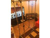 Clothes rack - very good condition