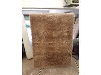Rug 4ft by 5ft6