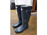 Ladies size 5 hunter wellies