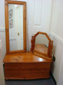 BEDROOM SOLID PINE, DRESSING TABLE MIRROR, BLANKET BOX, OBLONG MIRROR MATCHING SET
