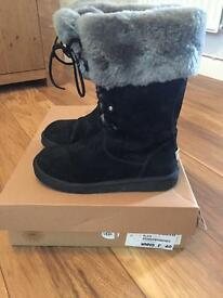 Ladies Ugg boots size 7