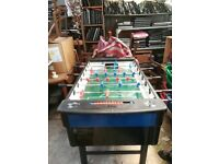 FOOTBALL TABLE WITH GLASS BED