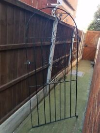Iron Garden/Yard/Alley Gate in Black - Good condition